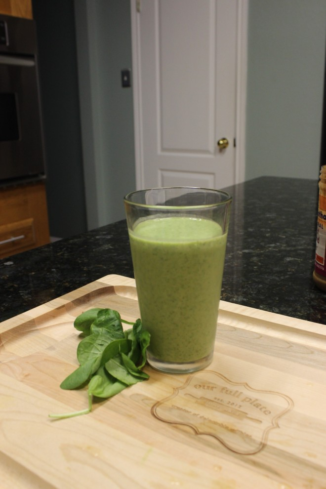 The finished product, my delicious Paleo 21DSD Green Monster smoothie
