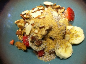 Paleo nut cereal with fruit